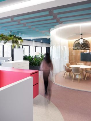 Creative office concept created for dynamic and effective working space (11)
