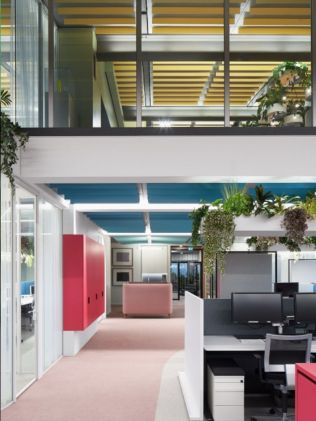 Creative office concept created for dynamic and effective working space (12)