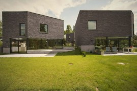 Distinctive house complex with brilliant architecture concept accommodating five family houses (2)