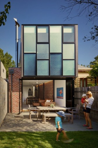 Modern industrial house style displaying best combination of exposed brick walls and seamless surface in Port Melbourne (3)