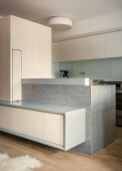 Successful apartment modernization on Bank Street showing off a balanced interior concept with a lively home ambiance (5)
