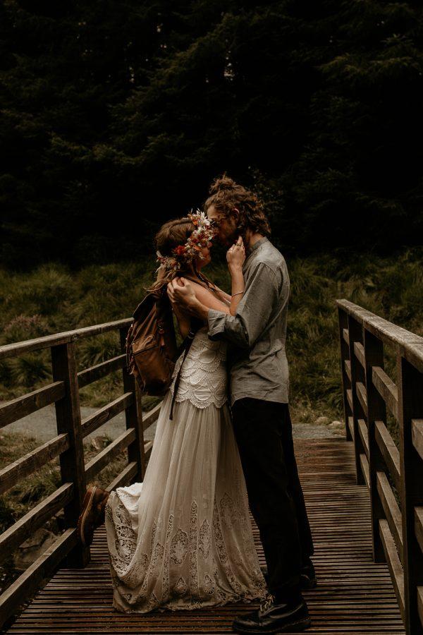 unfurl47-photography-lake-district-van-life-elopement-wedding-countryside-elope-boho-inspiration-hip-adventure-outdoor-england-bridge-just-married-kiss