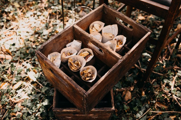 unfurl5-photography-woodland-elopement-wedding-inspiration-outdoor-enchanted-forest-intimate-ceremony-elope-boho-bouquet