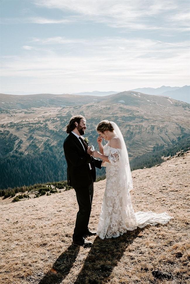 Courtney65-Lynn-colorado-adventure-elopement-packages-destination-wedding-photographer-estes-park-elope-bride-groom-giggles
