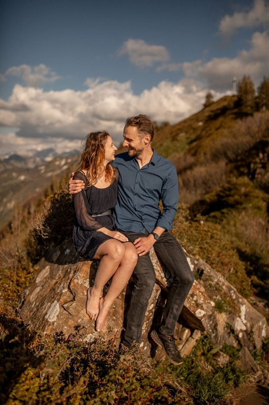 004-mountain-elopement-wedding-austria-wild-embrace-sunset-photography-elope-intimate-outdoor-mountain-ceremony-adventure