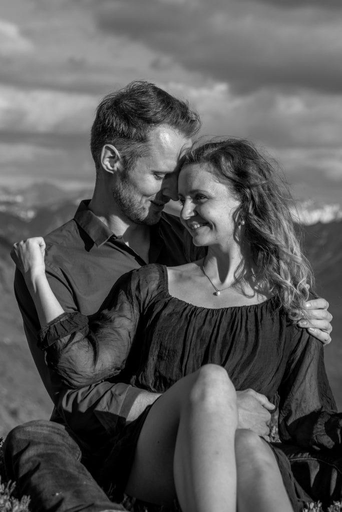 011-mountain-elopement-wedding-austria-wild-embrace-sunset-photography-elope-intimate-outdoor-mountain-ceremony-adventure