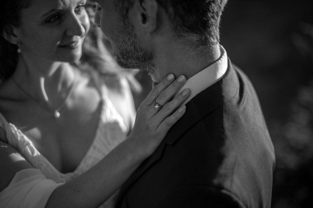023-mountain-elopement-wedding-austria-wild-embrace-sunset-photography-elope-intimate-outdoor-mountain-ceremony-adventure