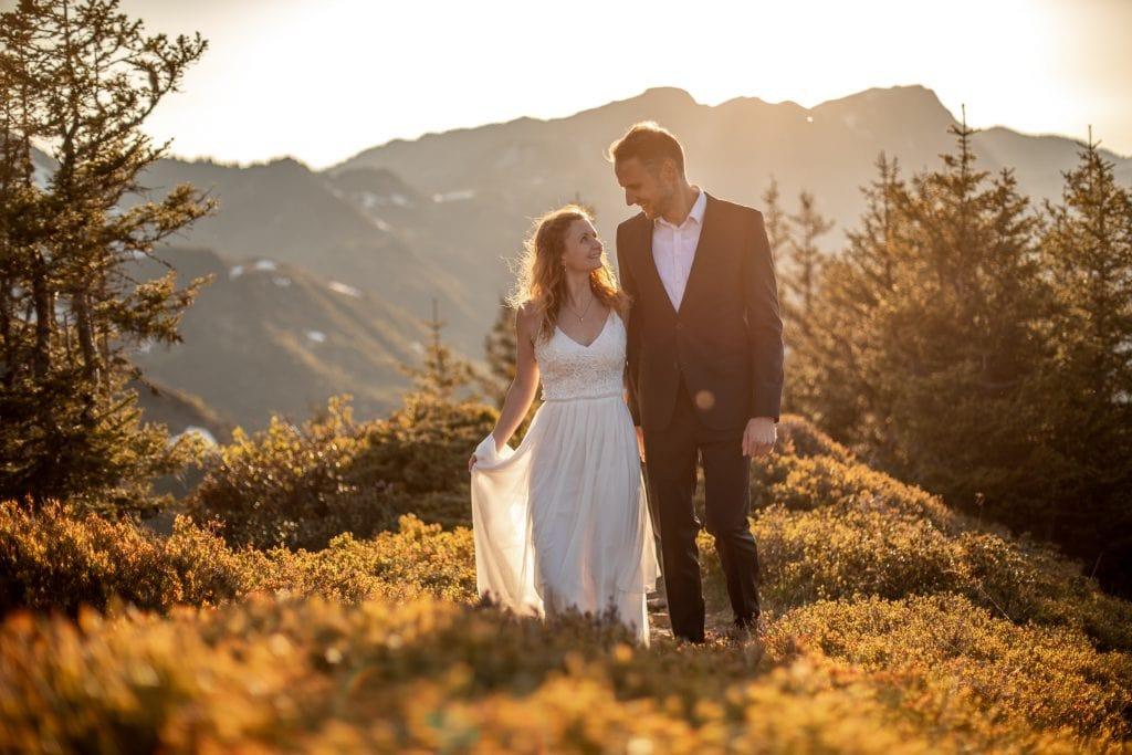 027-mountain-elopement-wedding-austria-wild-embrace-sunset-photography-elope-intimate-outdoor-mountain-ceremony-adventure