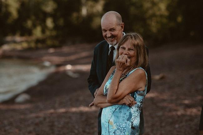 223-Eliot-Lupita-Wedding_Lume-Photography-elopement-destination-michigan-harbor-elope-usa-beach-summer-outdoor-intimate-ceremony