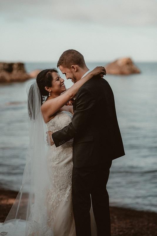288-Eliot-Lupita-Wedding_Lume-Photography-elopement-destination-michigan-harbor-elope-usa-beach-summer-outdoor-intimate-ceremony