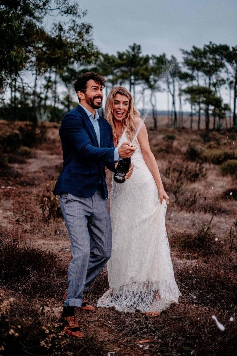 Hochzeit-in-Portugal-an-der-Algarve-30-elopement-wedding-beach-intimate-ceremony-coast-sand-sea-sunset-love-elope