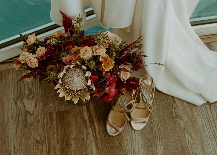 nicole78-jamie-carrie-rogers-photography-malibu-intimate-beach-elopement-california-destination-wedding-outdoor-coast-ceremony