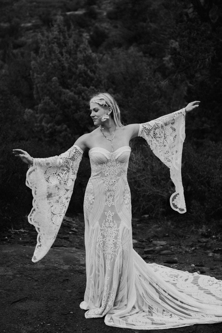 Jaci43-Berkopec-Bohemian-Chic-Vibes-Destination-Elopement-Intimate-Wedding-Photographer-Sedona-Arizona-Adventure