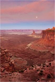 Moonset, Canyonlands National Park, Utah