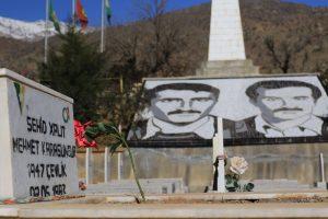 Tumba de Mehmet Karasungur, uno de los fundadores del PKK, asesinado en 1983 por una facción kurda rival.