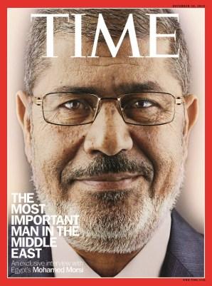 """El islamista Mohamed Morsi fue """"el hombre más importante de Oriente Medio"""" durante apenas un año. Riad maniobró para hacerle caer y Qatar para mantenerle, creando un cisma en el sí del CCG. Fuente: Revista TIME"""