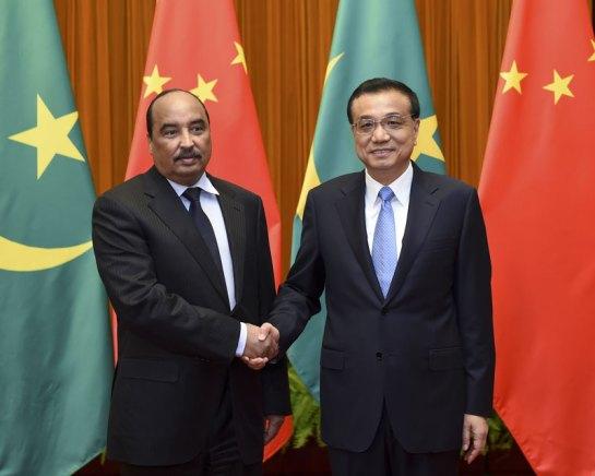 El presidente de Mauritania, Mohamed Uld Abdelaziz, con el primer ministro chino, Li Keqiang, en su visita al país en 2015. Fuente: Gobierno de China
