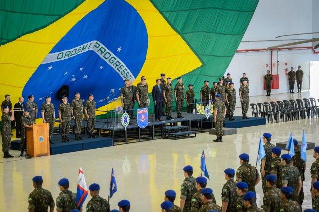 Bolsonaro frente al Ejército de Brasil