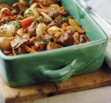 Guisos y sopas para compartir este invierno Recetas tradicionales para cocinar y servir en familia  El orgullo de ser parte