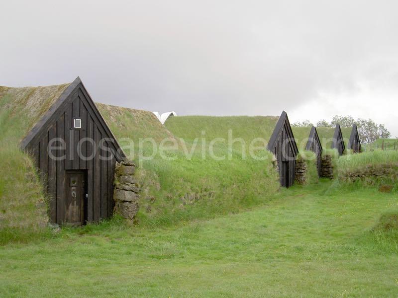 Le Case di Torba Islandesi: Ecologiche e Bellissime risalgono a Centinaia di Anni Fa