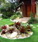 14 Beautiful Front Yard Landscaping Ideas On A Budget 13