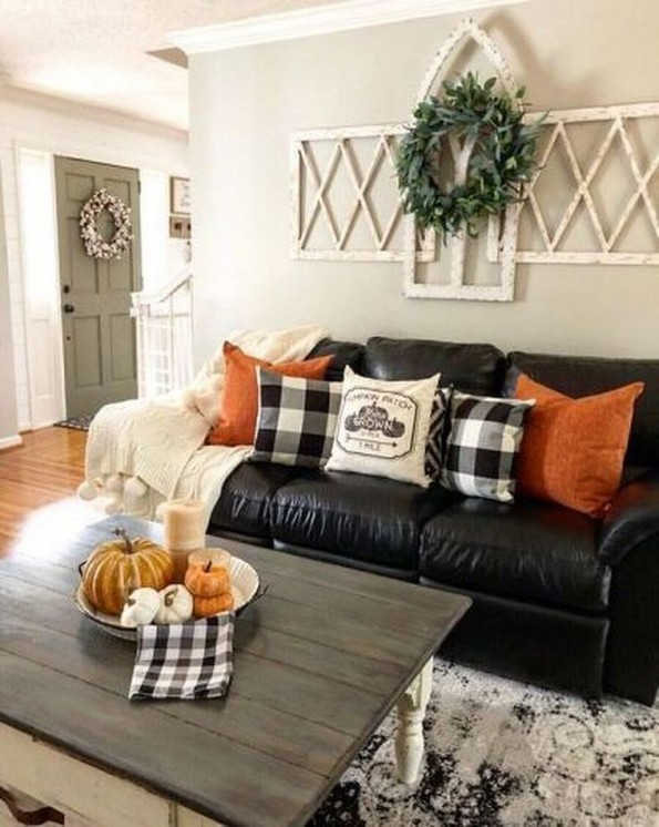 19 Beautiful Farmhouse Coffee Table Design For Living Room 10