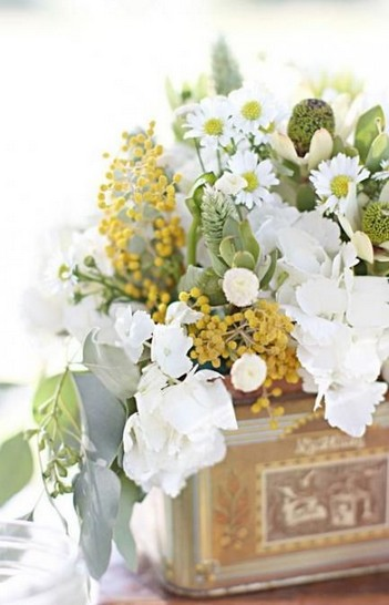 15 Beautiful Rustic Green And White Flower Arrangements 01