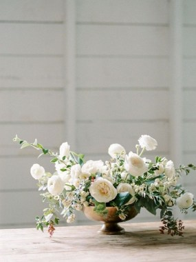 16 Beautiful Rustic Green And White Flower Arrangements 02 1