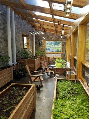 17 Amazing Greenhouse Earthship Home Design Made Of Recycled 14 1
