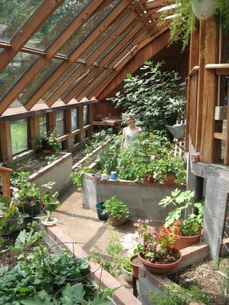 17 Amazing Greenhouse Earthship Home Design Made Of Recycled 14