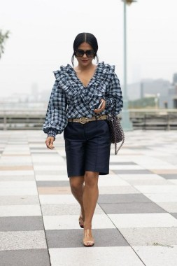 17 Amazing Black White Plaid Shirt Outfits Ideas For Spring 09
