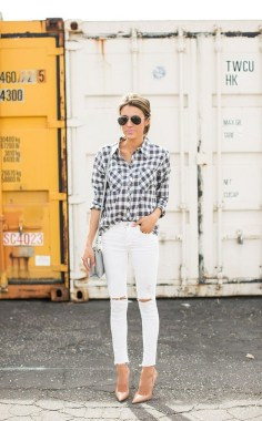 17 Amazing Black White Plaid Shirt Outfits Ideas For Spring 24