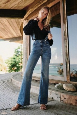17 Best Ideas To Wear Flared Jeans 25