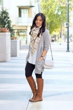 17 Hottest Winter Outfits Ideas With Scarf That Adds To Your Beauty 07