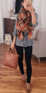 17 Hottest Winter Outfits Ideas With Scarf That Adds To Your Beauty 13