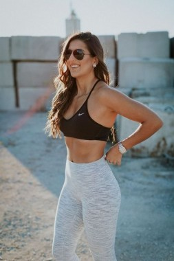 18 Fashionable Workout Outfit Ideas For Women In 2019 01