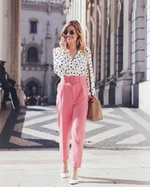 18 Impressive Pink Work Outfits Ideas For Girls 04
