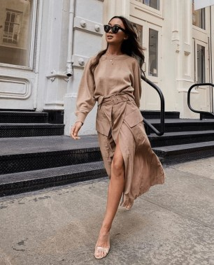 18 Lovely Street Style Outfit Ideas For Summer 25