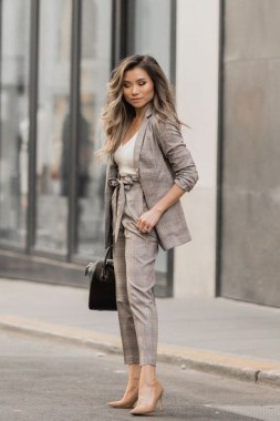19 Cool Summer Business Outfits Ideas For Women 13