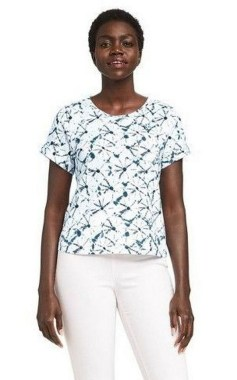 17 Amazing Ways To Wear A White Tee For Women 17