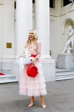 17 Fashionable Valentines Day Outfit Ideas 24