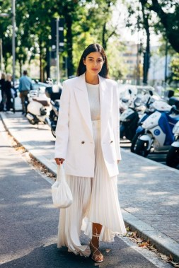 18 Stunning White Fashion Style Ideas Suitable For Fall 12