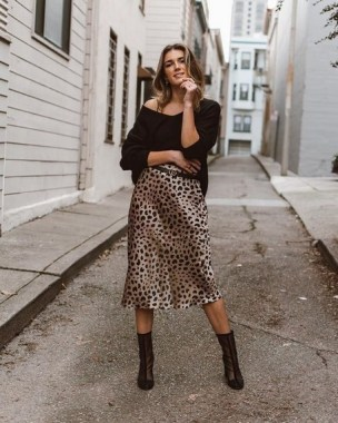 19 Casual Slip Dress Outfit For Spring 2019 08