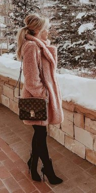 20 Adorable Women Winter Coat Ideas 26