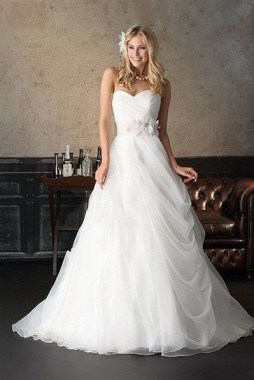 21 Unordinary Valentine'S Day Wedding Dress Ideas 14