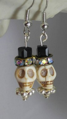 22 Beautiful Halloween Jewelry Ideas To Makes You Look Stunning 08