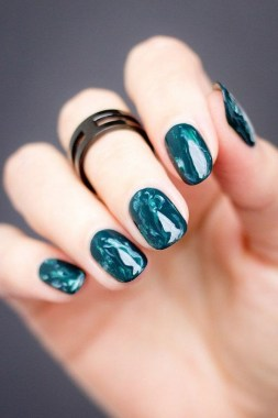20 Be Unique With These Water Marble Nail Art 19