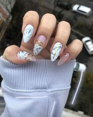 20 Be Unique With These Water Marble Nail Art 28