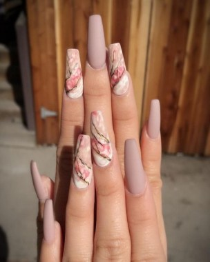 20 Be Unique With These Water Marble Nail Art 30