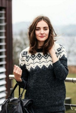 20 Cute Sweater Designs For Comfy Thanksgiving Holiday 14